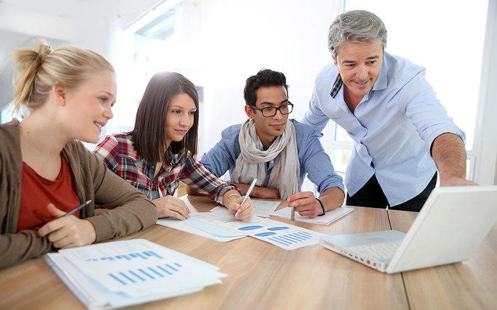 Como ser parte da comissão de formatura pode ajudar no seu futuro profissional?